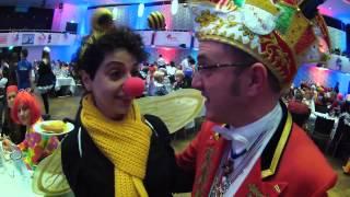 Das erste mal im Karneval: Anna aus Hamburg traut sich!