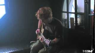"Ed Sheeran Plays ""Pony"" Acoustic in NYC"