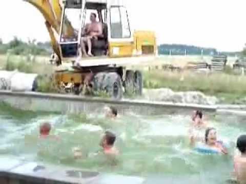 Aquapark tomelloso youtube for Piscinas tomelloso