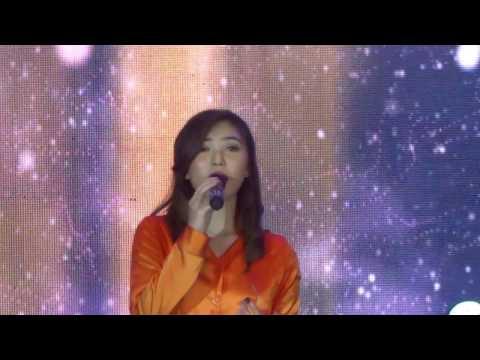 Cover Lagu Isyana Sarasvati ~ Tetap Dalam Jiwa La Piazza Kelapa Gading Jakarta