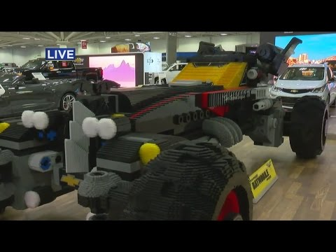 Electric Cars At The Twin Cities Auto Show