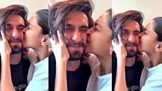 Deepika Padukone Can&#39t Stop KISSING Ranveer Singh During Lock Down At Home