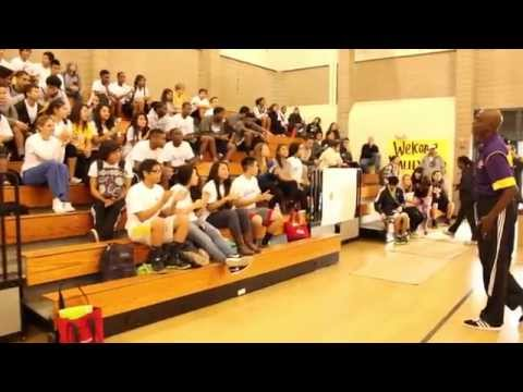 Lakers Give LB Teens Advice About Staying Fit