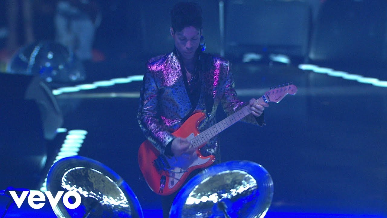 Download Prince - 17 Days (Live At The Los Angeles Forum, April 28, 2011)