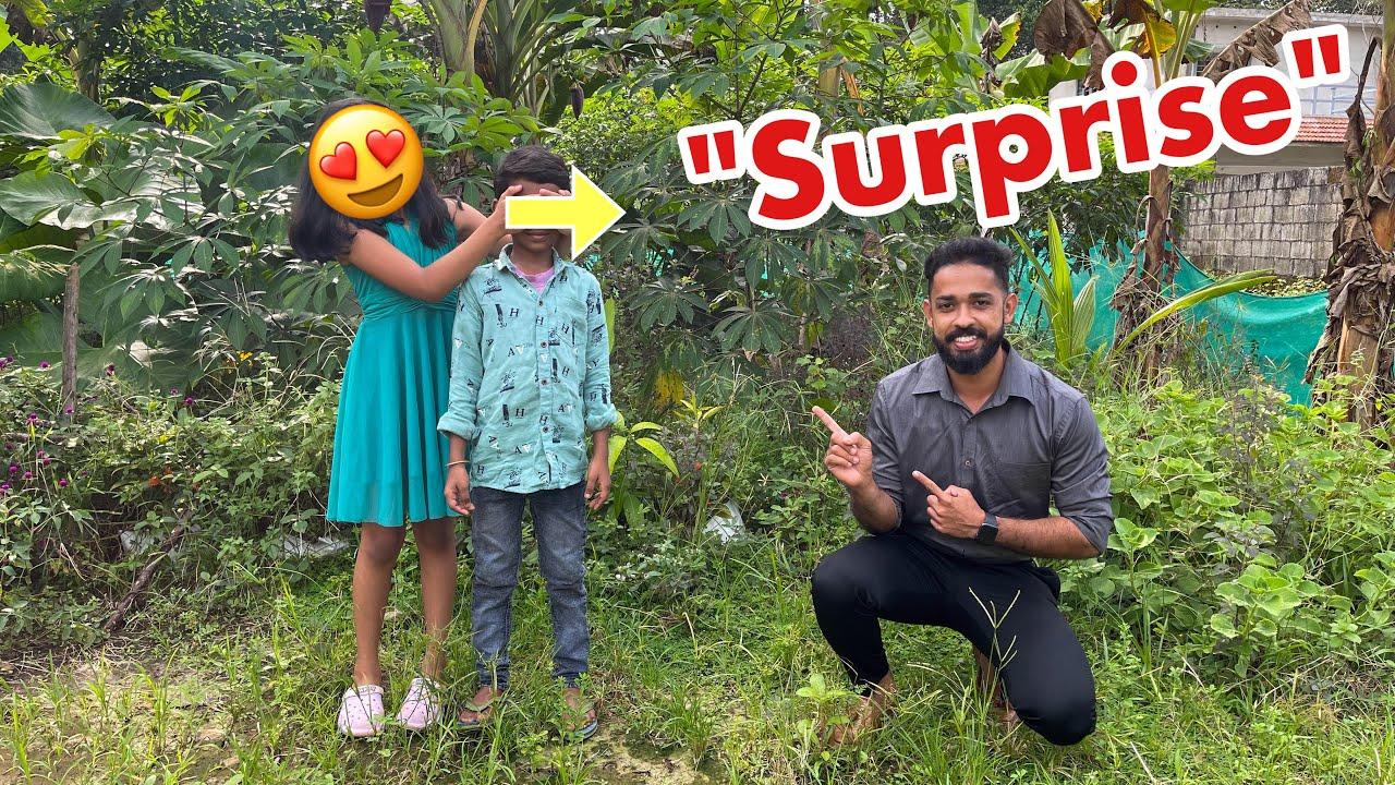പാവം.... കിളിക്കൂട് കാണാൻ വന്നതാ…😍   Surprised Kid with 200 Birds
