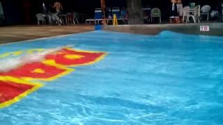 видео Генератор волн в бассейне, искусственные волны в бассейн