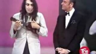 Repeat youtube video Tiny Tim - Tip Toe Through The Tulips (Live).mp4