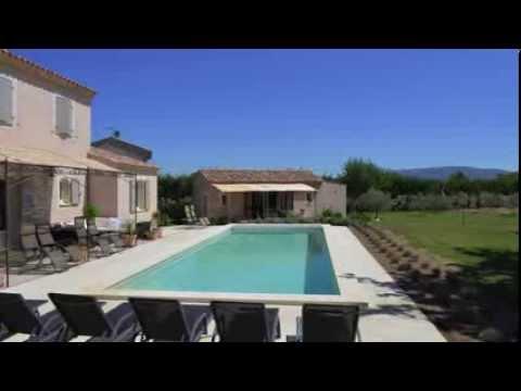 Location saisonni re lacoste maison louer dans le for Location villa piscine luberon