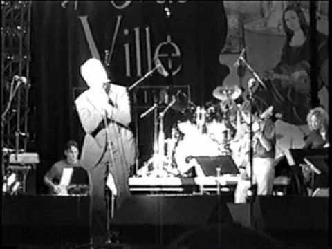 Mike Eldred sings Beneath The Moon