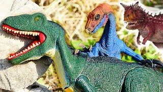 ДИНОЗАВРЫ. Огромный динозавр нападает на Тираннозавра. Мультик про Динозавров новая серия Игрушки ТВ