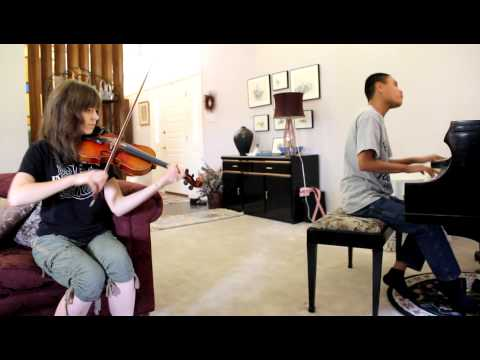 LIGHTS BASSNECTAR REMIX  Lindsey Stirling and blind piano prodigy Kuhao play dubstep song together