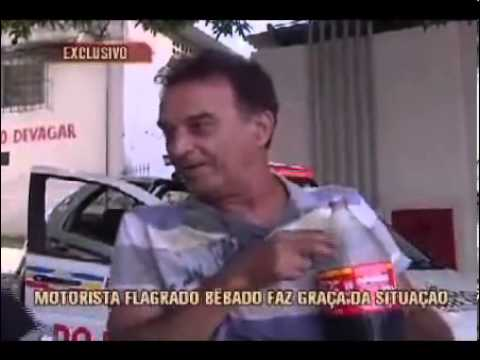 B 234 Bado Bebe Coca Cola E Arrota Na Cara Da Rep 243 Rter Youtube