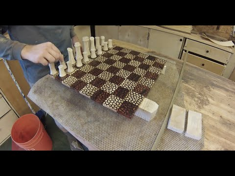 Leo Chess Set