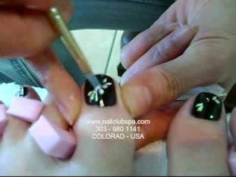 Color & design on toe Nails - colorado USA