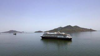 شاهد: بنما تسمح لسفينة سياحية هولندية بعبور القناة بعد أن تقطعت بها السبل بأمريكا الجنوبية…