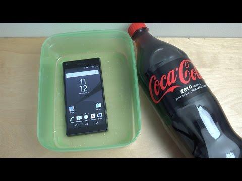 Sony Xperia Z5 Compact - Coca-Cola Test (4K)