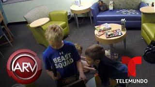 Ponen a prueba la reacción de niños frente a un arma de fuego | Al Rojo Vivo | Telemundo