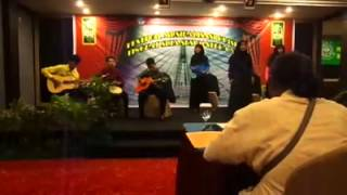 Musikalisasi Puisi Komunitas Seni Nan Tumpah - Malam Warna-Warni, 1 (Puisi Muhammad Ibrahim Ilyas)
