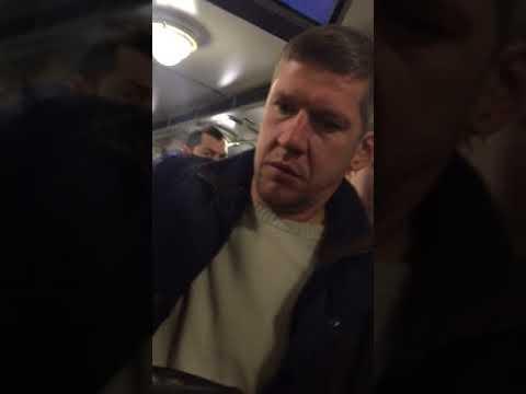 Максим Ярош словил корманика на горячем Киёв ну что сука где мои деньги??