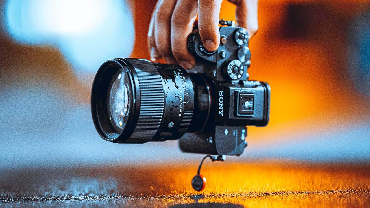 Soothing Rain Street Photography POV (85mm Sigma F1.4)