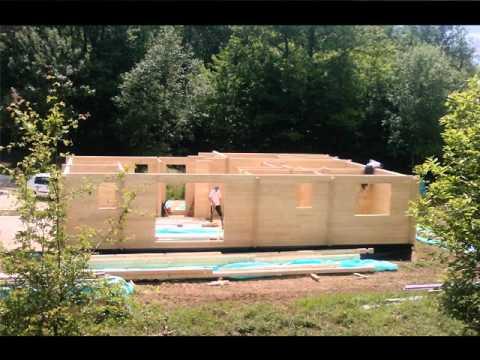 construction d'une maison en bois madriers massifs