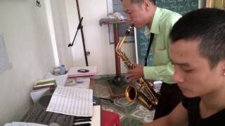 Bỏ ngài con biết theo ai - Saxophone Quốc Triệu - Piano Quang Thọ.