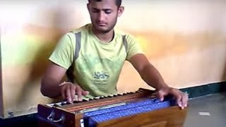 Cool Harmonium Performance by Vinay Todkar: Khel Mandala(Ajay-atul)