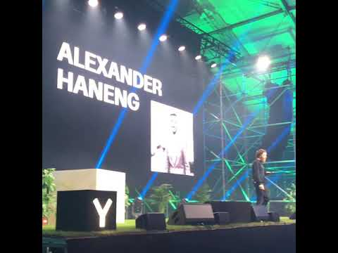 On stage at the Y Oslo conference talking about IoT
