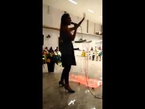 Quão grande é o meu Deus  - Ministração e louvor-Amanda Vasconcellos