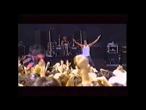 Skrape live in Tokyo Japan - August 19, 2001