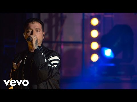J Balvin - La Venganza (Live at The Year In Vevo)