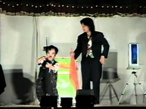 magic viet nam - ao thuat gia TAYLOR - He lun NGOC TAM - www.aothuattaylor.com.vn - aothuatvip.com