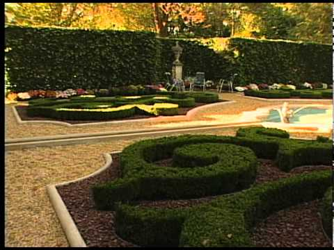 Hillwood Estate Gardens in Autumn
