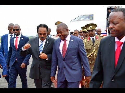 Raba ingene Umukuru w'Igihugu ca Somalia yakiriwe mu Burundi na mugenziwe Petero Nkurunziza