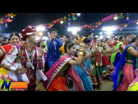 Patan Thi Patoda | United Way Baroda | Garba Mahotsav 2016 | 05-10-2016 (10:10pm)