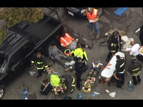 OAKLAND BUILDING COLLAPSE: Raw video of Oakland building collapse and injured workers