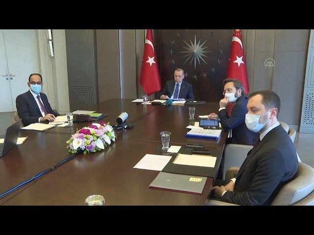 <span class='as_h2'><a href='https://webtv.eklogika.gr/o-toyrkos-proedros-proedreyei-se-synedriasi-toy-ypoyrgikoy-symvoylioy' target='_blank' title='Ο Τούρκος πρόεδρος προεδρεύει σε συνεδρίαση του υπουργικού συμβουλίου'>Ο Τούρκος πρόεδρος προεδρεύει σε συνεδρίαση του υπουργικού συμβουλίου</a></span>