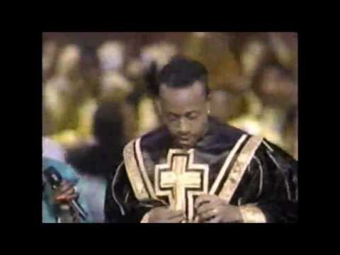 """MC Hammer 'Do Not Pass Me By"""" (LIVE)"""