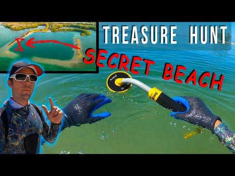 Underwater Metal Detector at hidden Horseshoe Beach in Florida Keys