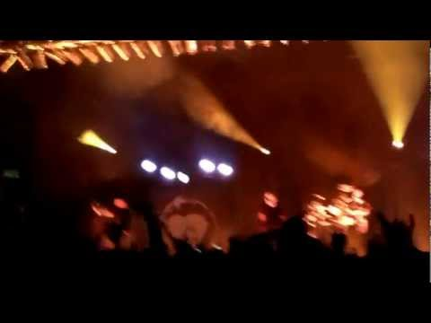 Rise Against-Help Is On The Way (Live @ The New York State Fairgrounds)