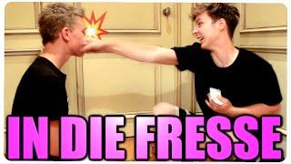 IN DIE FRESSE SCHLAGEN?! feat. DieLochis, BradeTV & Sprink - USA TRIP #12
