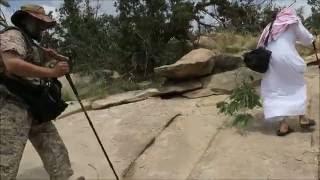 رحلة جبلية للوقوف على شجرة نادرة برفقة علامة نبات السراة د أحمد قشاش 12-12-1437هـ