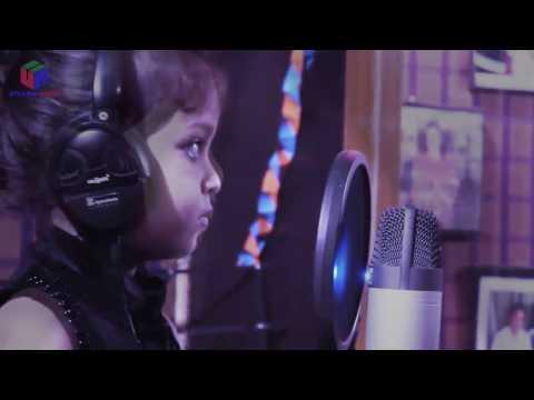 Dil hai chhota sa song sing by a cute cute little girl 2017