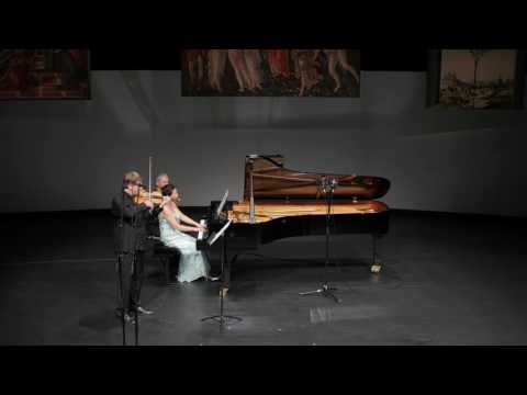 Andrej Bielow & Akiko Yamamoto play Chausson's Poème
