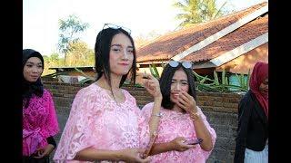 Lombok Traditional ardi Nyongkolan.