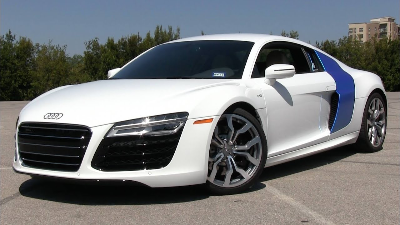 2014/2015 audi r8 v10 s-tronic start up, test drive, and in depth