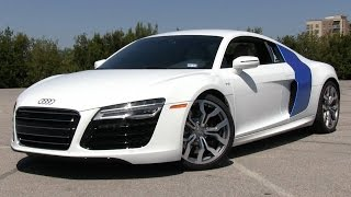 2014/2015 Audi R8 V10 S-Tronic Start Up, Test Drive, and In Depth Review