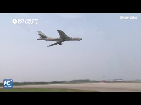 Rare footage: Chinese fighter jets refuel in midair