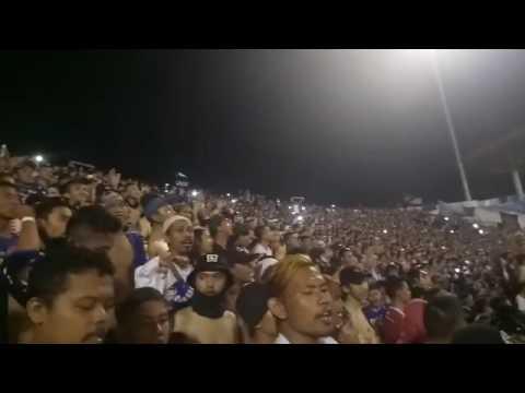 MANTAP!!! Bobotoh Persib Bandung Bersholawat Di Tribun