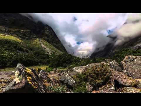 Native American Style Flute Music - Wolf Creek